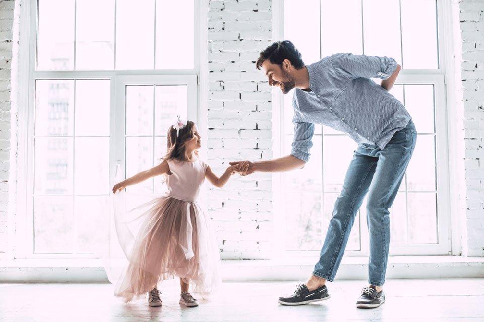 دورك كأب في حياه بناتك لا يقل أهمية عن دور الأم